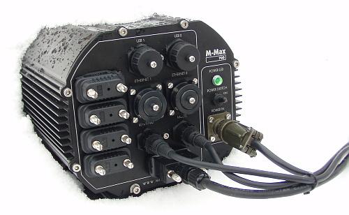 M-Max 700 IP66 в снегу