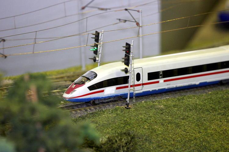 Макет участка железной дороги.