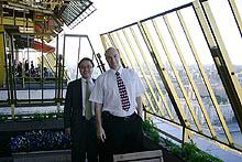 Эдгар Чен (директор по продажам компании ADLINK) и Александр Клоков (генеральный директор компании «МикроМакс Системс»)
