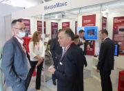 Деловое общение на стенде MicroMax